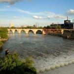 Stone Arch Bridge and falls_Meet Minneapolis (Hike w_Jen)